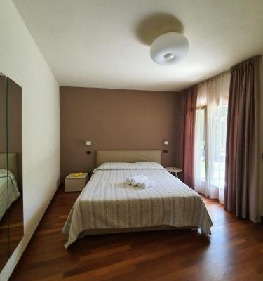 Sirmione Rosselli Apartments - фото 3