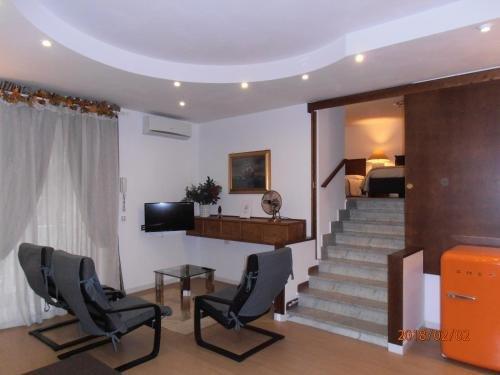 La Residenza Napoli Short Lets Chiaia Plebiscito - фото 22