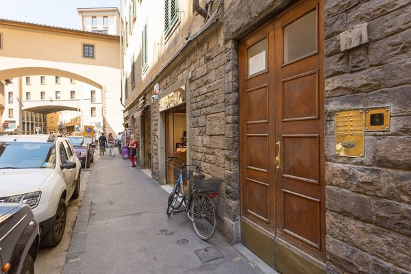 Apartment Ponte Vecchio Balcony - фото 1