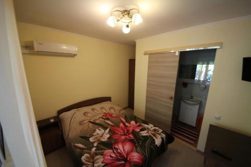 Guest House Uyutniy Dvorik - фото 10