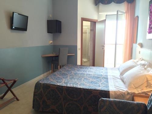 Hotel Marina - фото 2