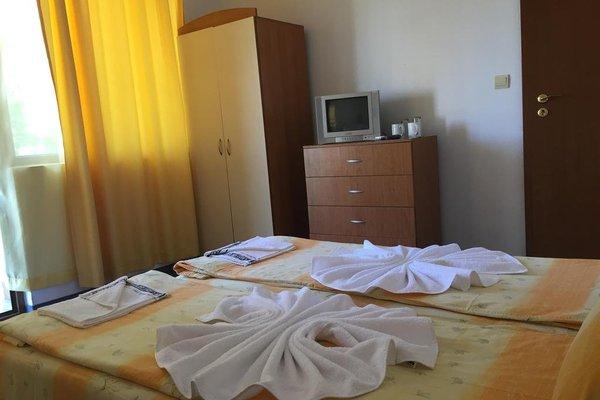 Family Hotel Danailov - фото 1