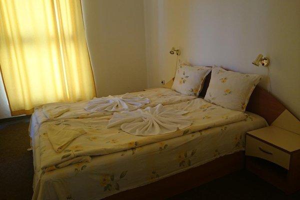 Family Hotel Danailov - фото 2
