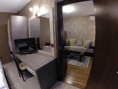 VIP Apartments Dobrevi - фото 6