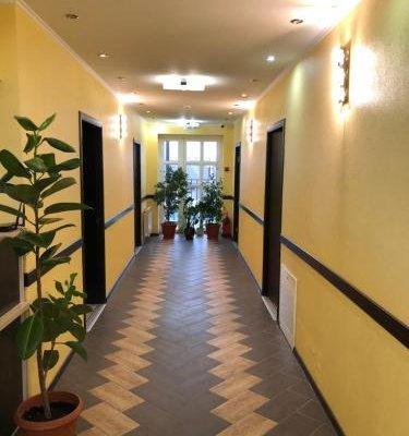 Guest Hotel Platan - фото 1
