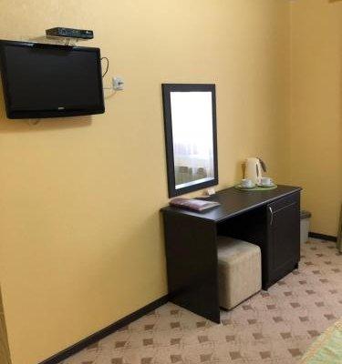 Guest Hotel Platan - фото 3