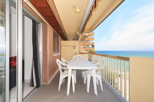 UHC Sorolla Apartments - фото 23