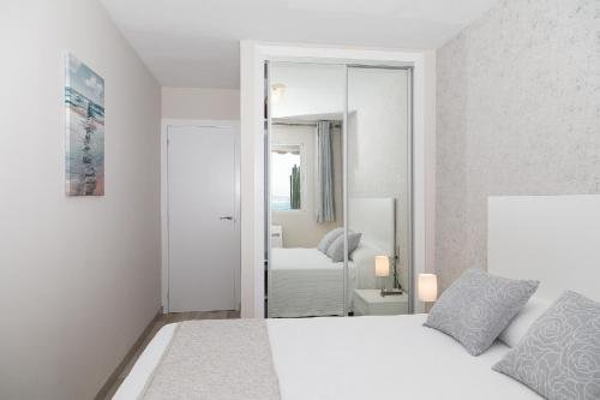 UHC Sorolla Apartments - фото 9