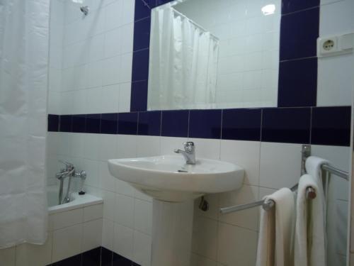 Apartamentos Acevedo Centro - фото 11