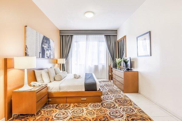 Golden Sands 10 Hotel Apartments - фото 1