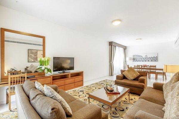 Golden Sands 10 Hotel Apartments - фото 7