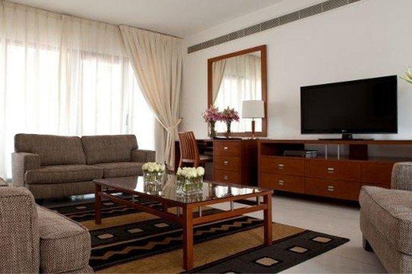 Golden Sands 10 Hotel Apartments - фото 8