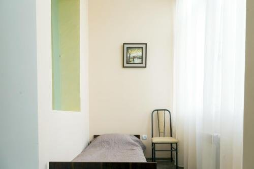 Modern apartment in the city center - фото 12