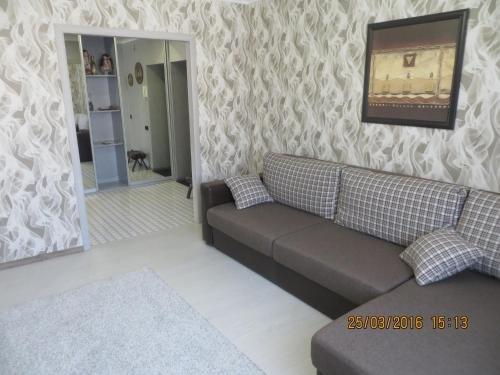Apartment on Kosmonavtov Boulevard 96 - фото 1