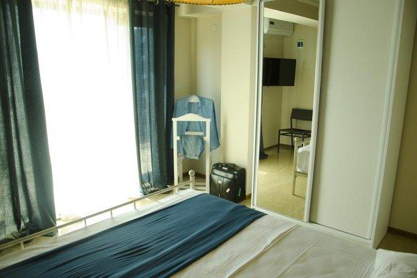Mgzavrebi Batumi-Gonio Hotel - фото 1