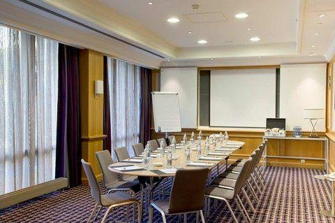 DoubleTree by Hilton Luxembourg - фото 17