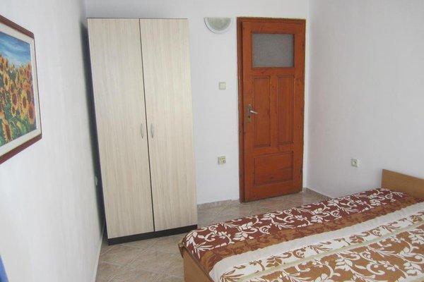 Dobrotitsa Apartments - фото 13
