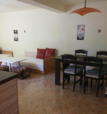 Dobrotitsa Apartments - фото 9