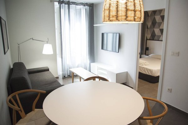 HolaStays Soho Suites - фото 2