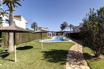 Residencial El Castell Apartment - фото 14