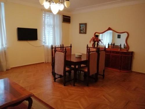 Apartment on Rustaveli 41 - фото 50