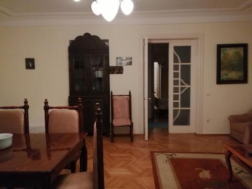 Apartment on Rustaveli 41 - фото 10