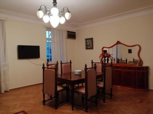Apartment on Rustaveli 41 - фото 5