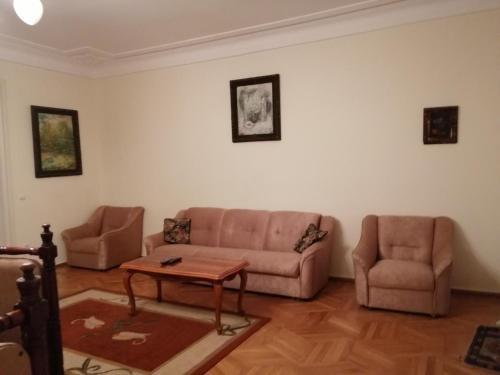 Apartment on Rustaveli 41 - фото 9