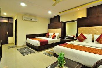 Check In Room Main Bazar - фото 10