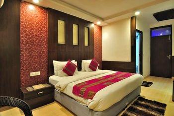 Check In Room Main Bazar - фото 9