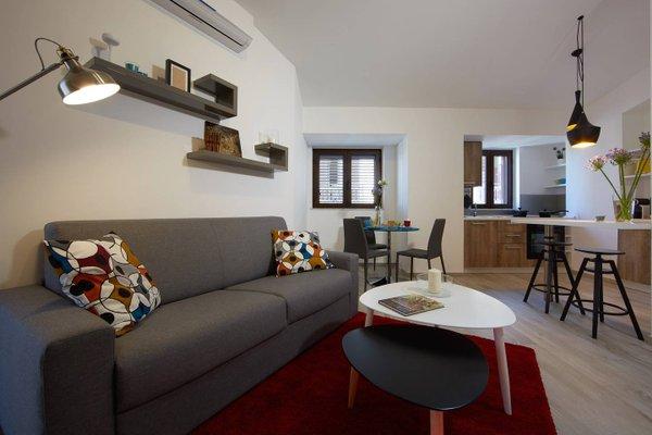 Al Duomo 4 Apartments - фото 8