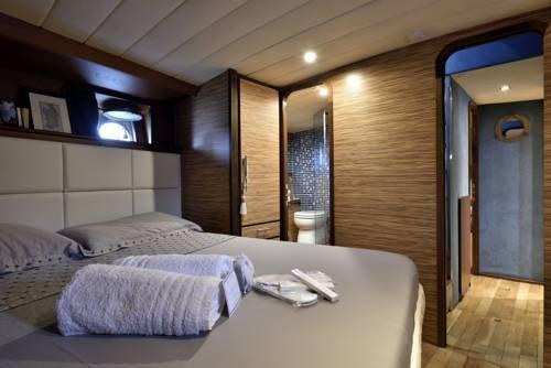Blue III yacht - фото 1