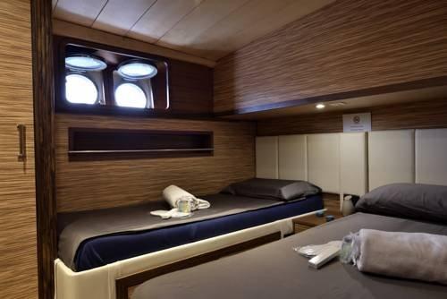 Blue III yacht - фото 6