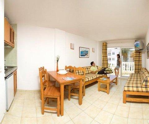 Playa Grande Apartments Ibiza Island - фото 3
