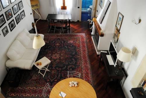 Sunny Apartment Cagliari - фото 7