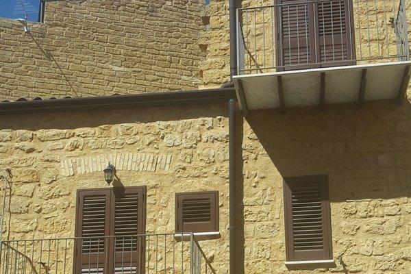 B&B A Due Passi Dal Centro - фото 12