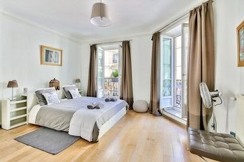 Luxury and Spacious Appartment in Saint Michel - фото 2