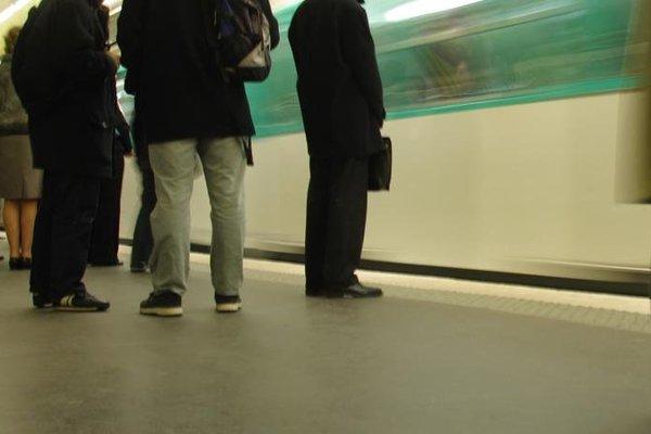 Escale aux Invalides - фото 5