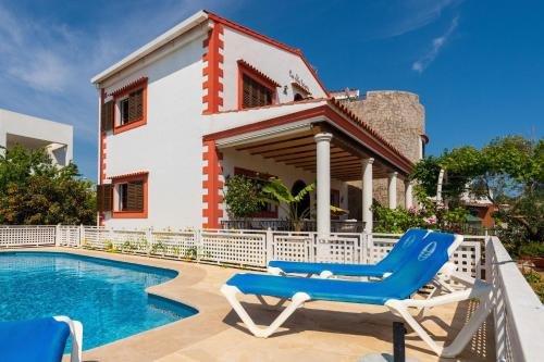 Four-Bedroom Holiday home in Santa Eulalia del Rio II - фото 14