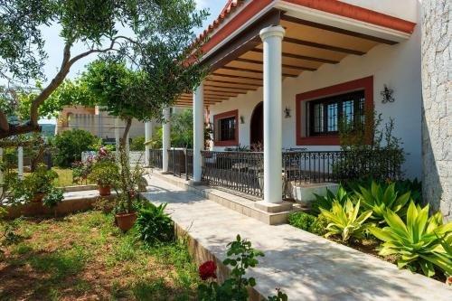Four-Bedroom Holiday home in Santa Eulalia del Rio II - фото 10