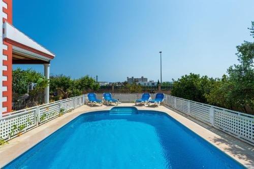Four-Bedroom Holiday home in Santa Eulalia del Rio II - фото 6