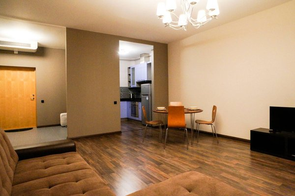 Old Town New Modern Apartment free parking - фото 4