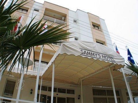 Sammy Hotel, Кирения