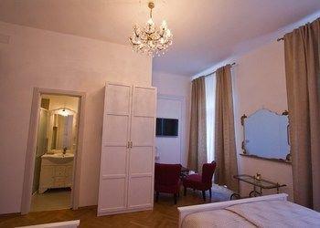 Golden Rooms Bed & Breakfast - фото 2