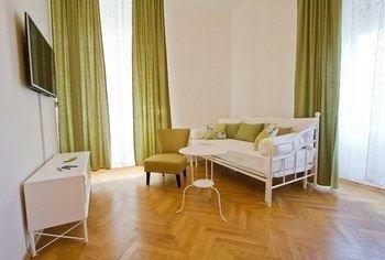Golden Rooms Bed & Breakfast - фото 3