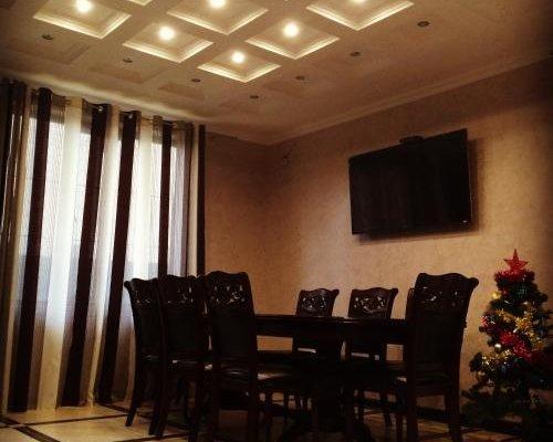 Mini-Hotel On Tamanskaya, Возрождение