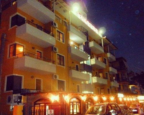 Aldom Apartments - фото 1