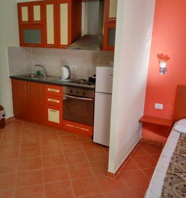 Aldom Apartments - фото 6