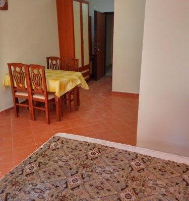Aldom Apartments - фото 8