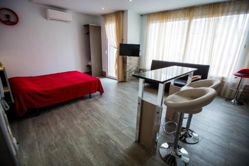 Apartamentos Bcntourism - фото 1